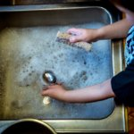 Hogyan éld túl a tavaszi nagytakarítást? Tippek otthoni takarításhoz